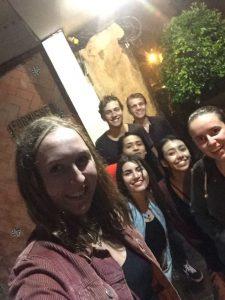 Nachdem wir mit ein paar Leuten aus Oaxaca in der Stadt waren, überraschte uns der mexikanische Regen.
