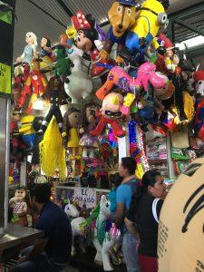 Piñatas auf dem Markt von Oaxaca.