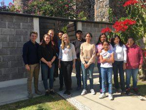 Moritz, Theresa, Caro und ich zusammen mit meiner Freundschaftsgruppe bei dem Freundschaftsgruppentreffen in Progreso.